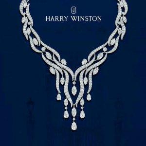 Ювелирный бренд Harry Winston.