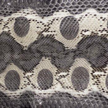 Натуральная кожа питона, брюшной разрез, цвет: бежевый, черный, серый.