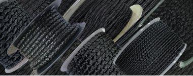 Шнуры черного цвета