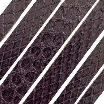 Полоса из кожи питона 12 х 2 мм (21 см)